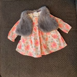 Super cute shirt with matching fur vest